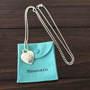 💕✨Tiffany & Co. Heart Tag Charm Necklace✨💕
